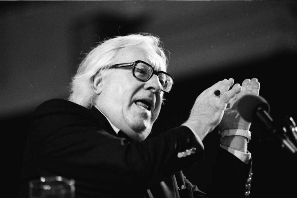 Ray Bradbury 21 Resources with Hundreds of Book Design Templates.